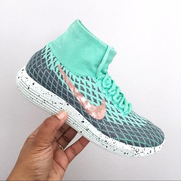 the latest 52363 3c672 Women s Nike Lunareptic Flyknit Shield Size 8